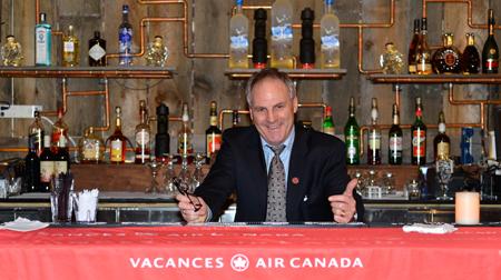 Guy Marchand a servi aux agents présents un cocktail d'atouts pour les aider à vendre les Bahamas