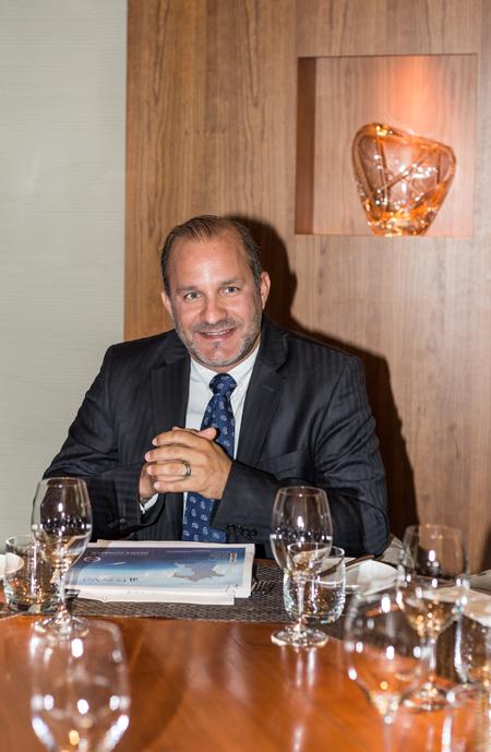Nicolas Bilek, directeur des ventes chez Ponant