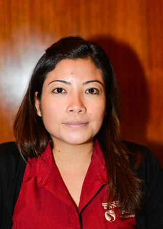Julie Kee, responsable des ventes pour Tropic Air