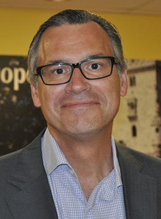 Bernard Bussières, vice-président aux affaires juridiques de Transat