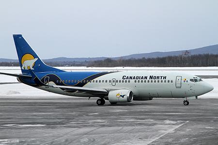 Le 737-300 de Canadian North utilisé pour les forfaits de Celebrity Cruises