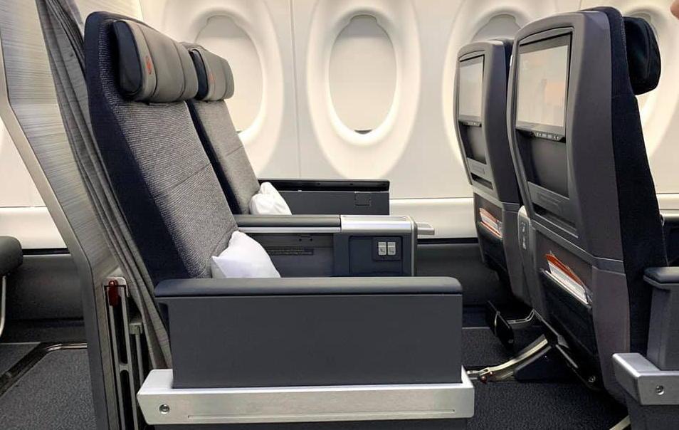 La classe Affaires à bord de l'A220-300 d'Air Canada.