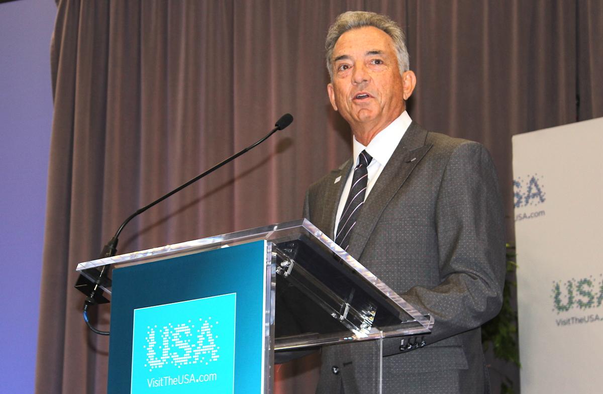 « Nous sommes vraiment ravis de ce que Colin va faire avec nous », a déclaré Chris Thompson, président et chef de la direction de Brand USA, chez IPW à Anaheim, en Californie.