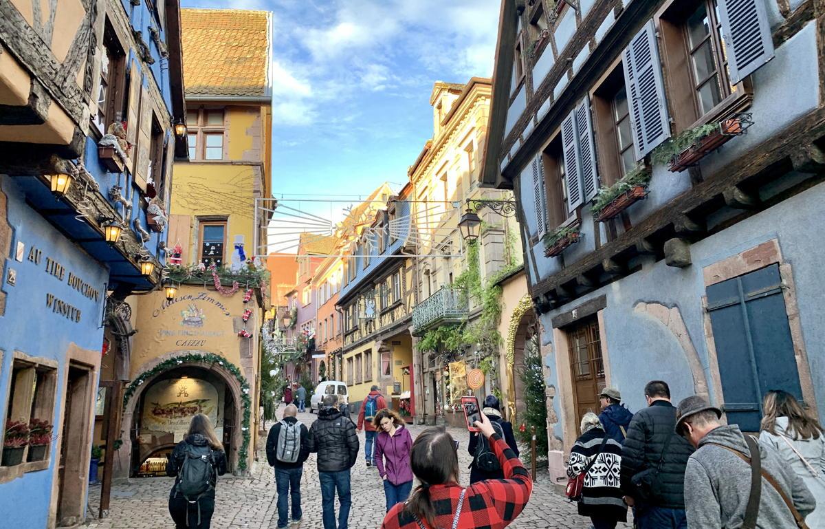 L'attrait fantaisiste du marché de Noël de Riquewihr, nous pouvons le confirmer, est inoubliable.