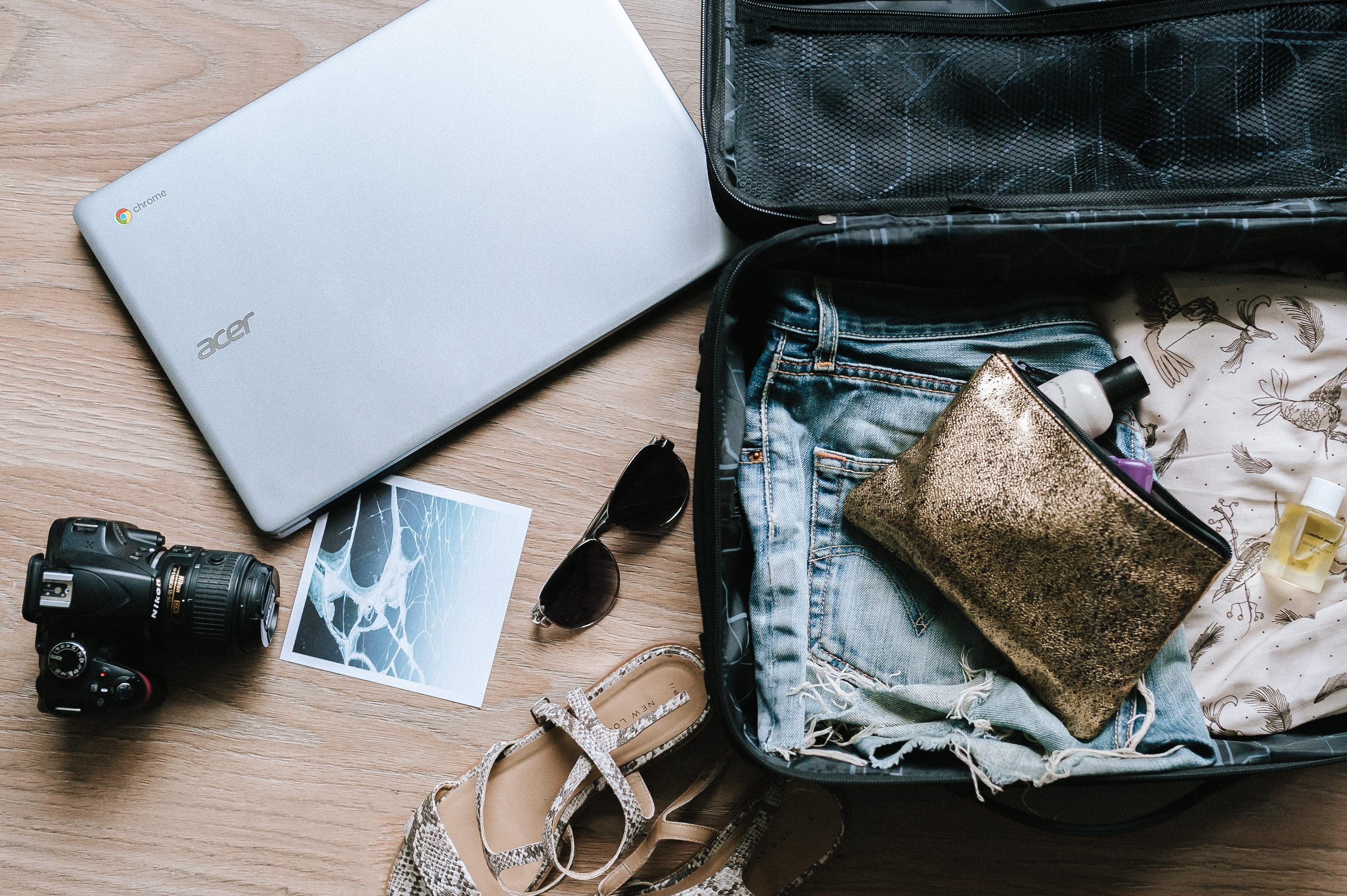 Quelle que soit votre destination, gardez votre passeport sous clé, dans le coffre-fort de votre hôtel ou dans vos bagages.