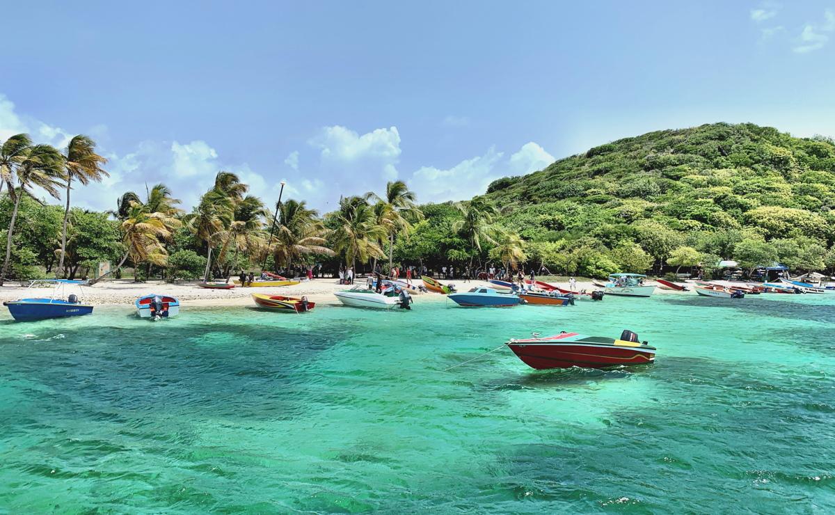 Saint-Vincent-et-les Grenadines est un paradis tropical qui est resté relativement préservé du tourisme de masse et du développement commercial.