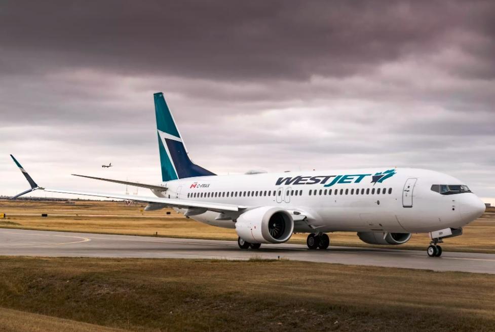 WestJet, avec 13 des 737 MAX 8, restera également fidèle À Boeing quand Transports Canada reviendra sur sa décision de les clouer au sol. Sur la photo: le Boeing 737 MAX 8 de WestJet