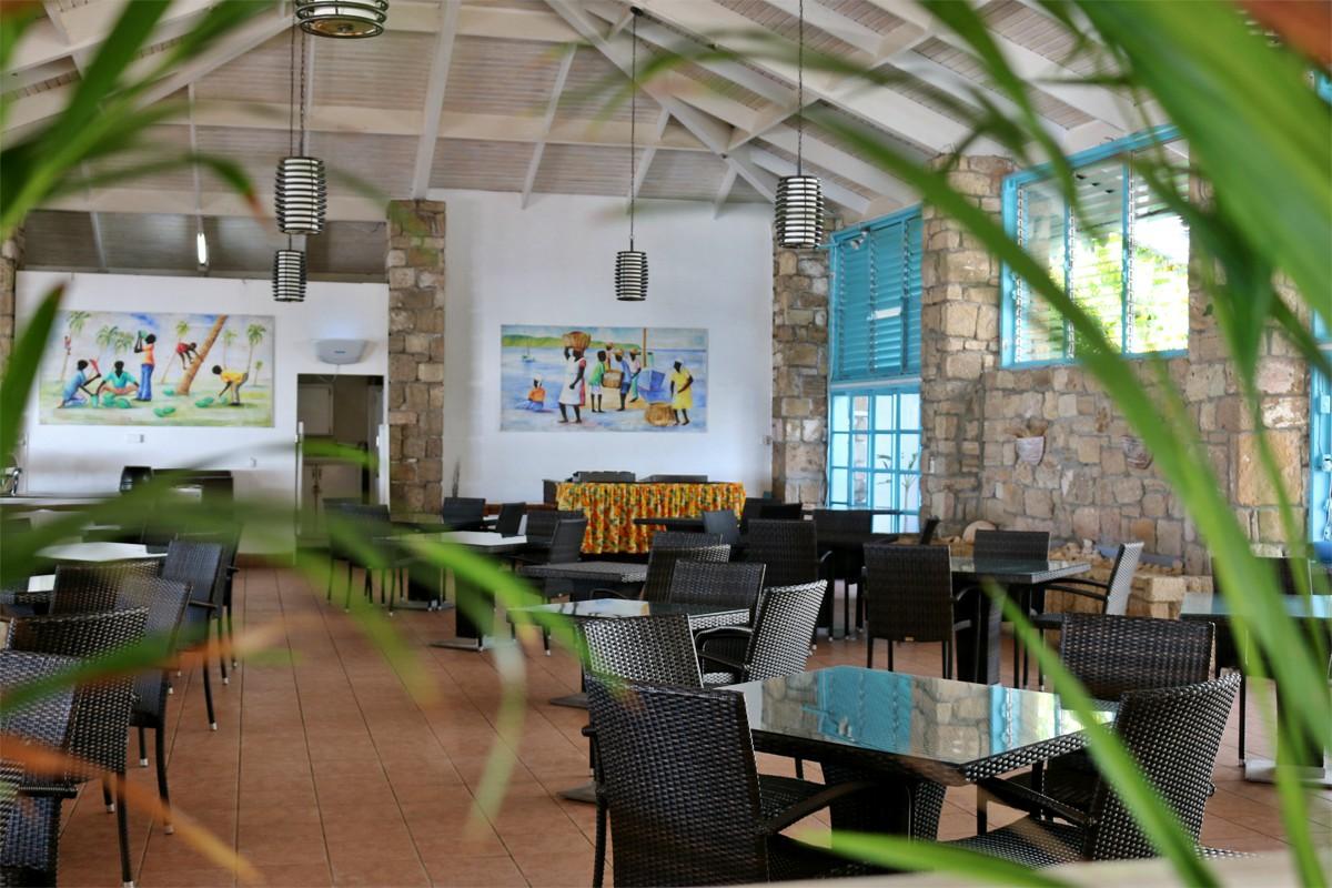 Tamarind Tree, un buffet en plein air avec vue imprenable sur l'océan.
