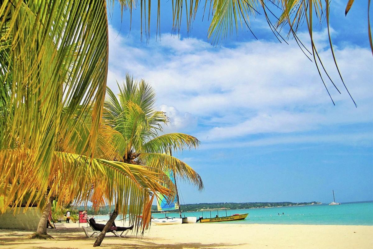 Les destinations touristiques populaires, comme Montego Bay, restent parfaitement sûres pour les visiteurs.