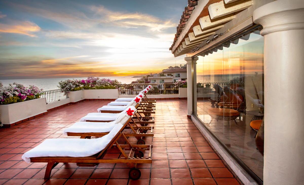 VUES ÉLEVÉES. La terrasse sur le toit de la suite présidentielle à Velas Vallarta. (Velas Resorts)