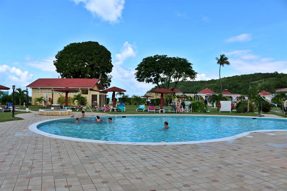 La piscine principale de Starfish Halcyon Cove