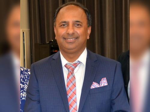 Vijay Bathija prend les rênes de l'Aéroport international John C. Munro