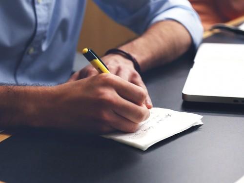 États-Unis: une étude souligne le retour des clients en agence
