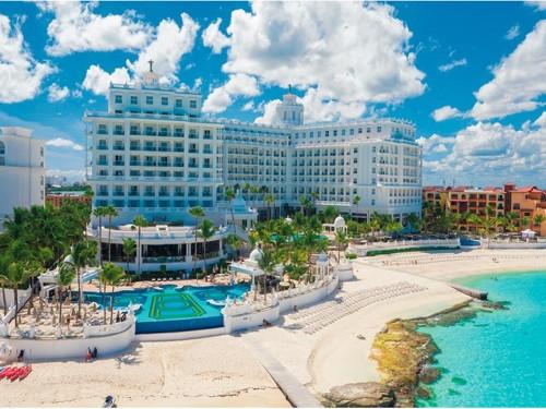 Le Riu Palace Las Americas se refait une beauté pour les adultes seulement
