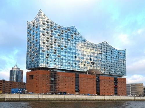 La Plaza de la Philharmonie de l'Elbe d'Hambourg va bientôt ouvrir ses portes