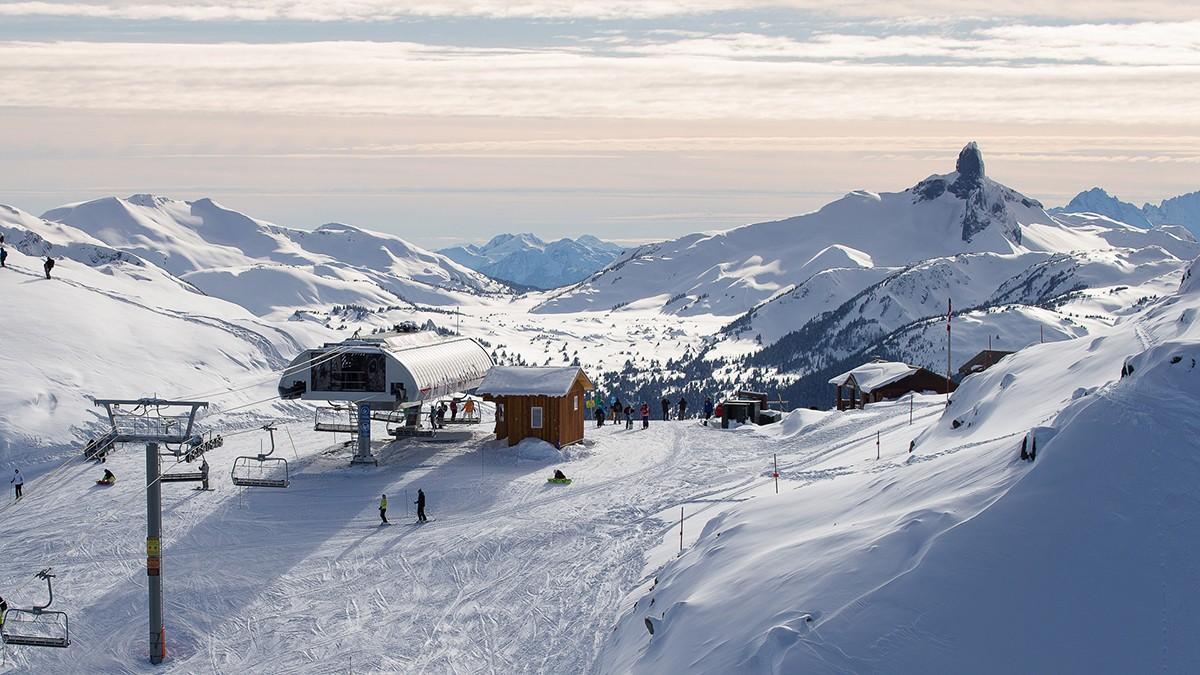 Ouverture du premier guichet automatique pour skieurs au sommet de la station Whistler Blackcomb