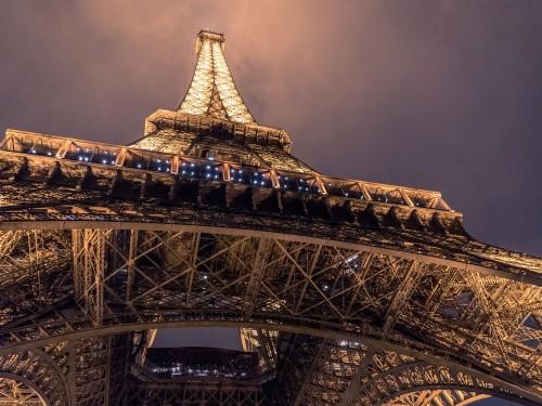 La tour Eiffel va se protéger avec une paroi en verre