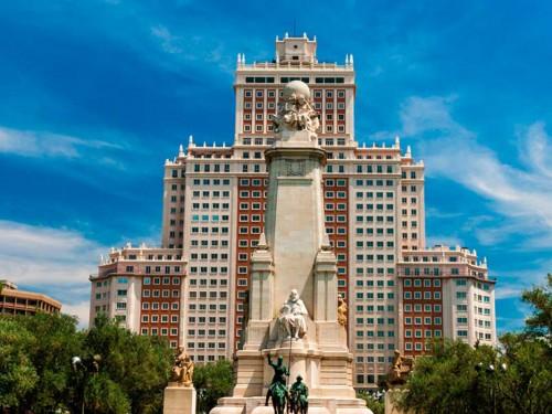 RIU achète l'Edificio España de Madrid afin de proposer son 1er hôtel urbain en Espagne