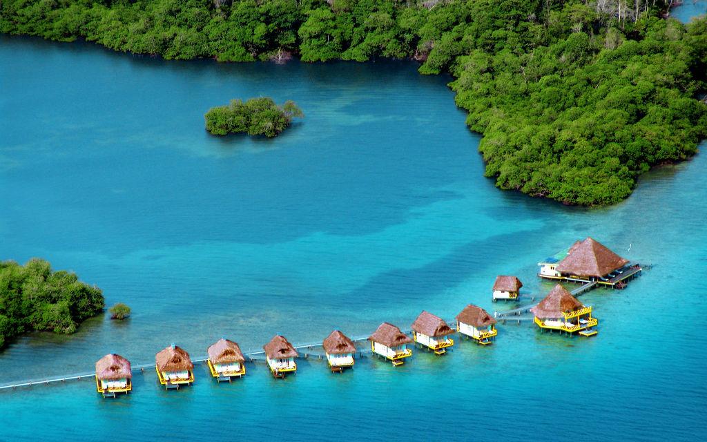 Punta-Caracol-Acqua-Lodge-Panama.jpg