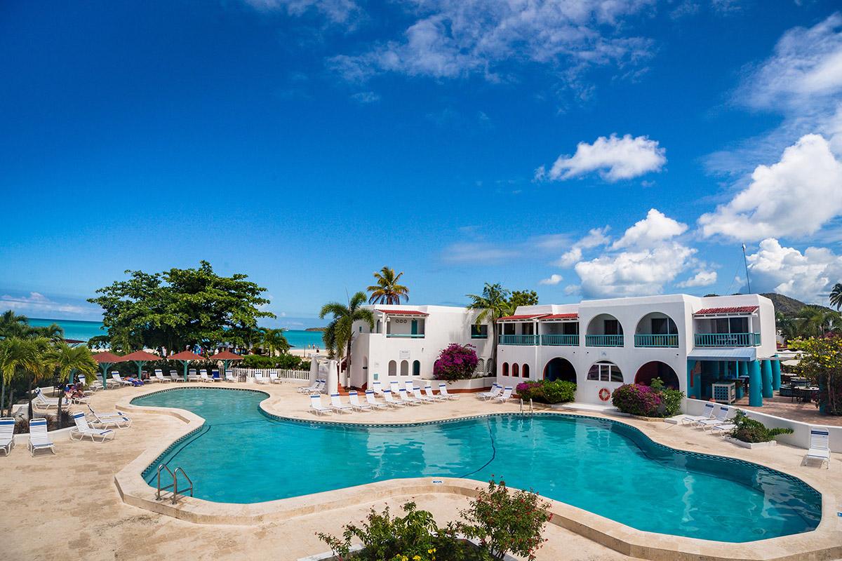 Sunwing reprend la gestion du Jolly Beach Resort à Antigua