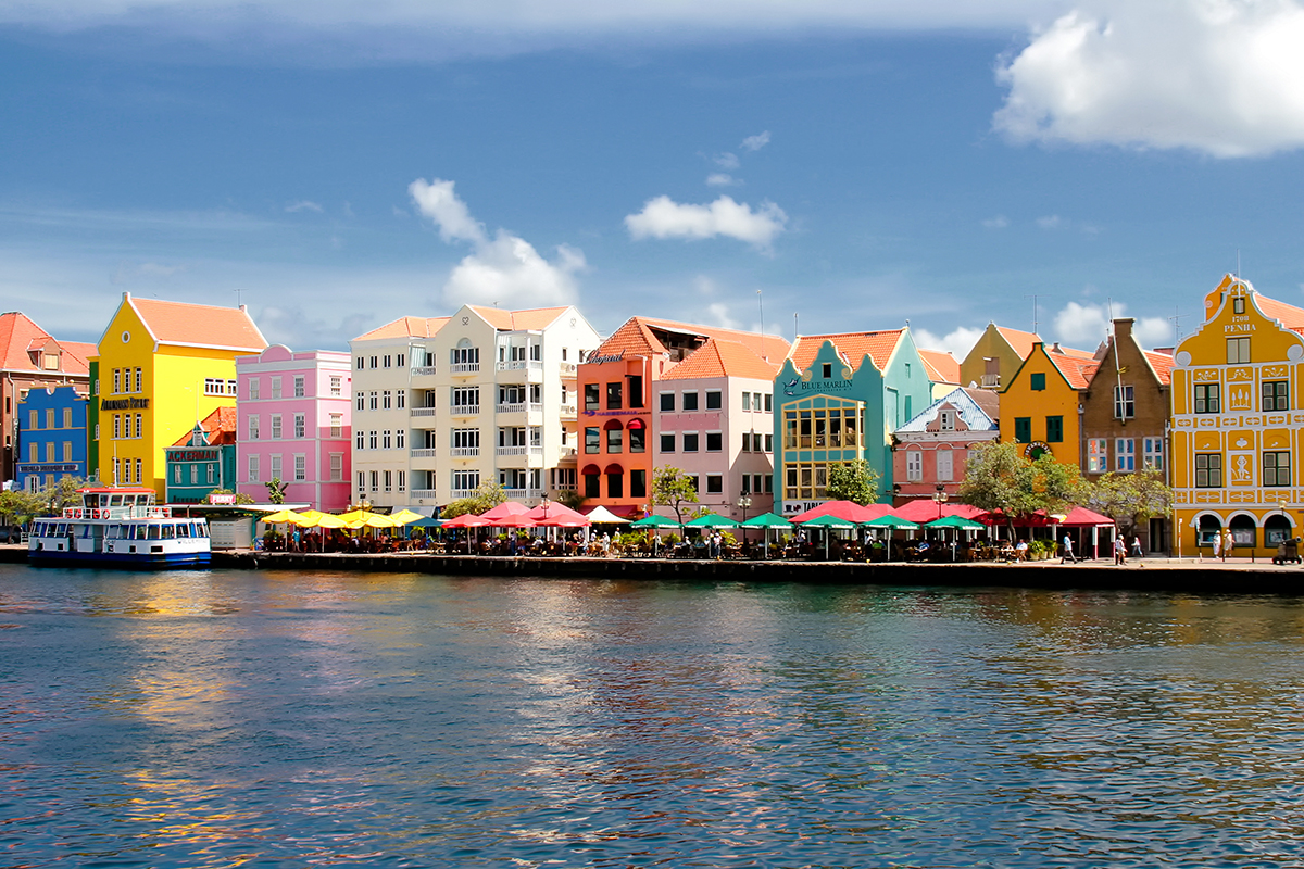 willemstad-day.jpg