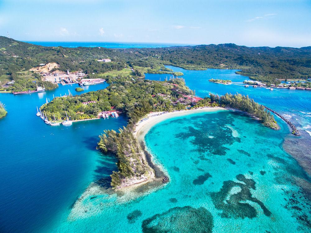 Fantasy Island Beach Resort au Roatan, une exclusivité Sunwing