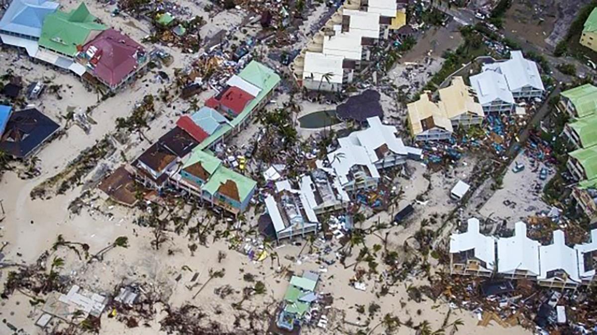 Irma poursuit sa trajectoire; encore plus de Québécois rapatriés