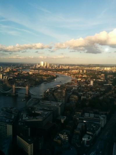 Le soleil se couche sur London Bridge (vu du 52e étage)