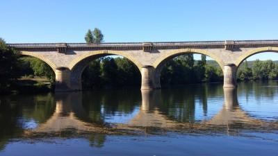 Le pont se mire- Lot- France