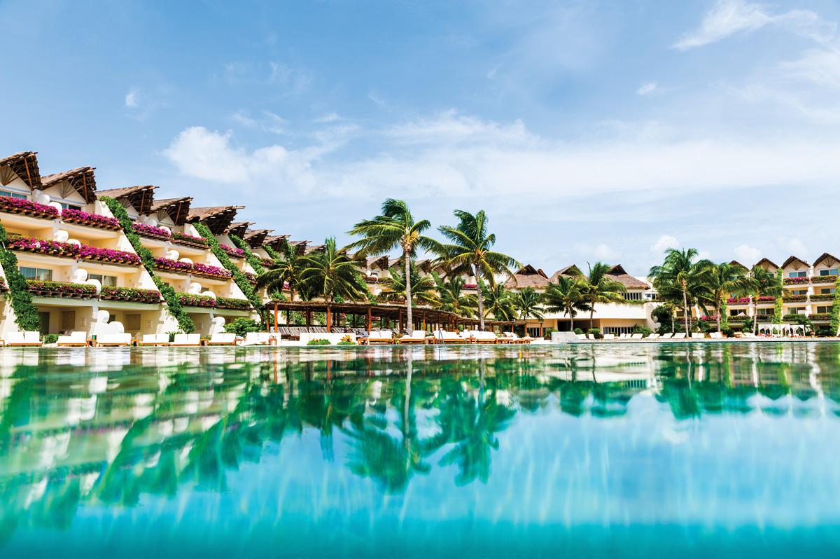 Hotel_alberca-ambassador-04_CMYK_244dpi.jpg
