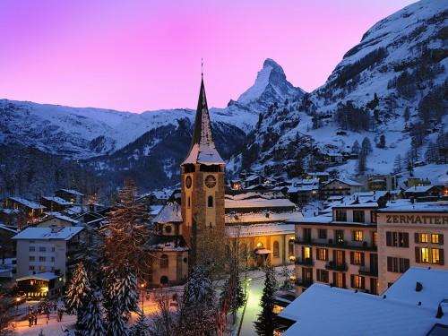 Des milliers de skieurs coincés à Zermatt