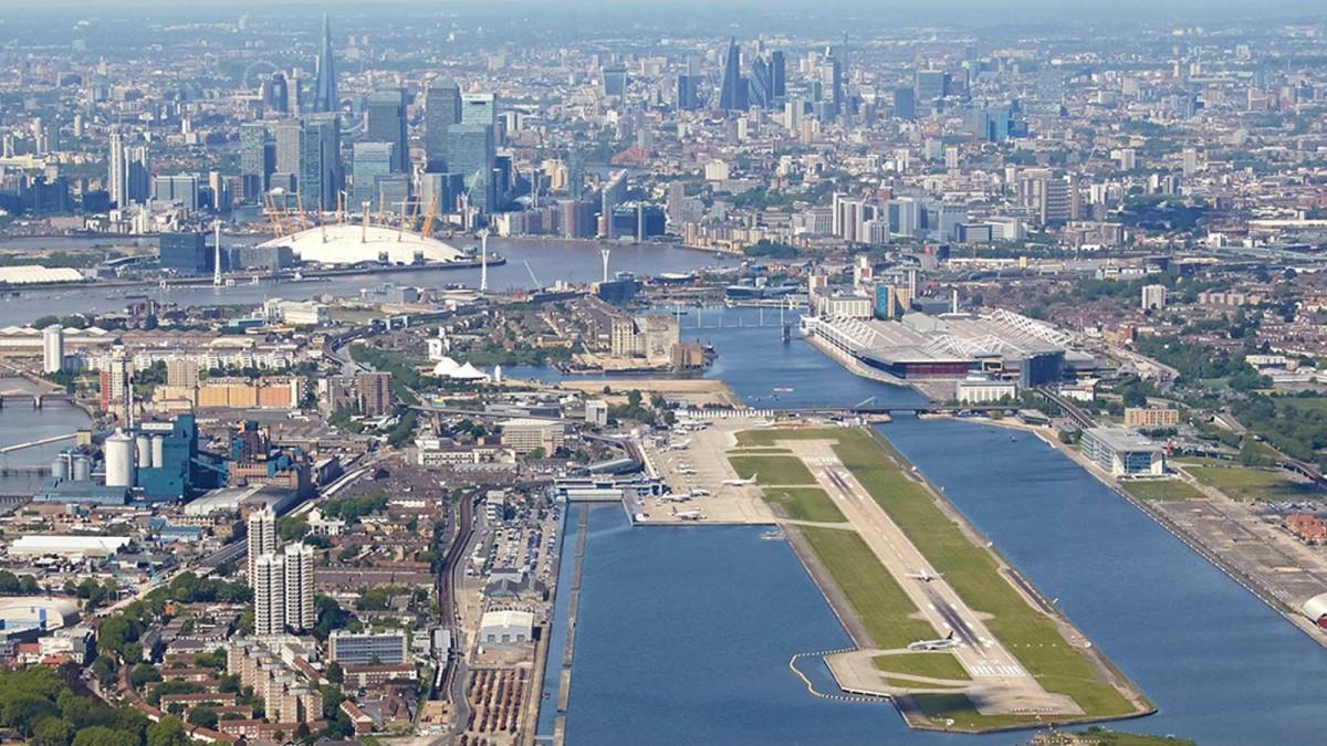 Insolite : un aéroport de Londres fermé en raison d'une bombe nazie