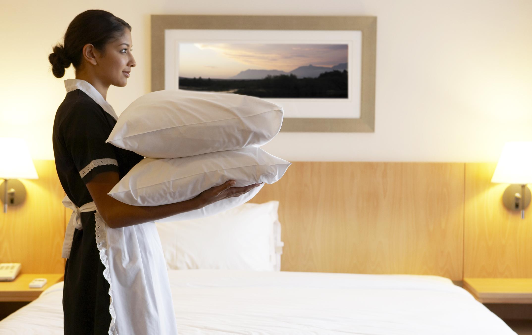 Service aux chambres : réduire la fréquence pour diminuer la facture?