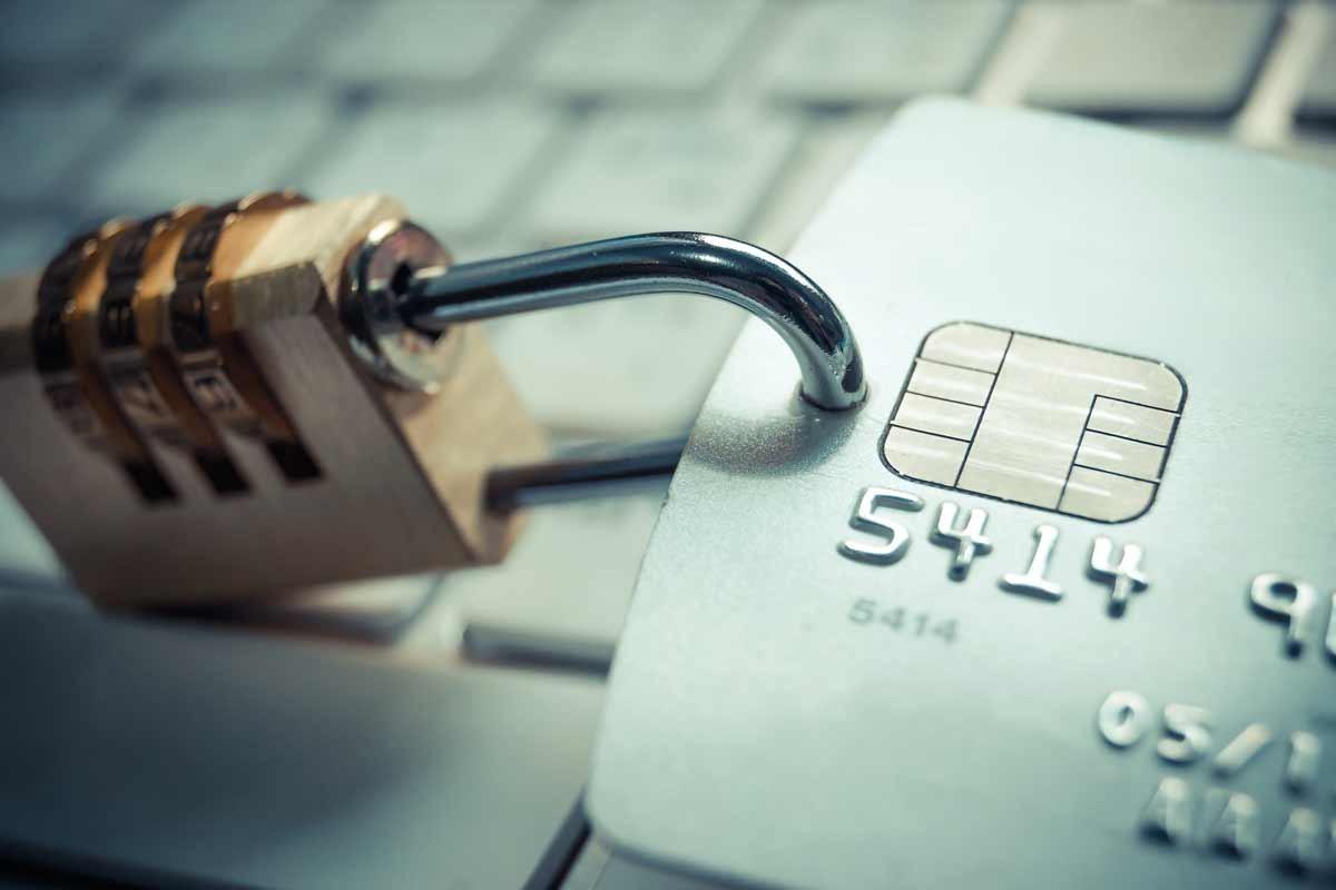 Comment rester vigilant face aux fraudes à la carte de crédit volée