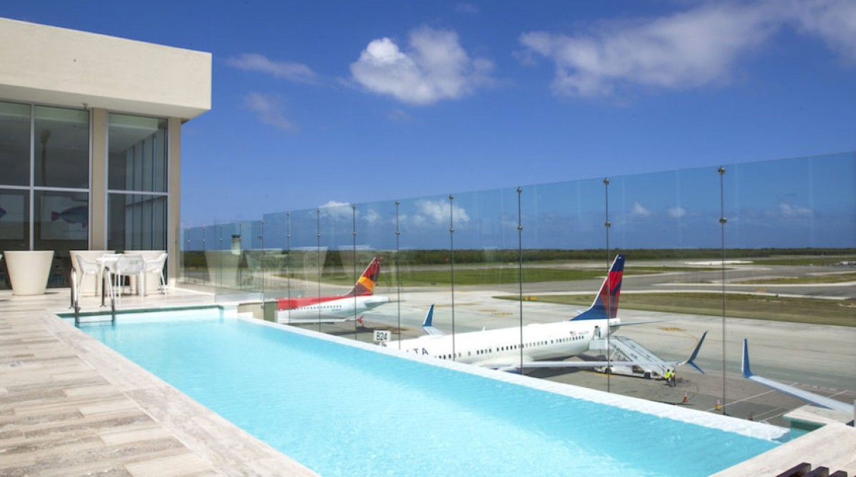 Punta Cana: une piscine pour le lounge VIP de l'aéroport