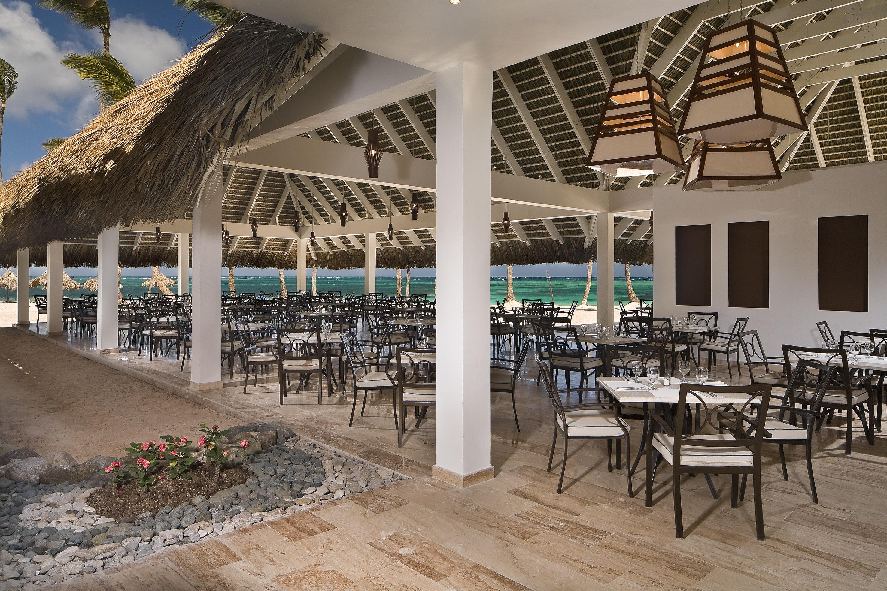 22aMeliaCaribeTropical-AgoraBuffetRestaurant[1].jpg