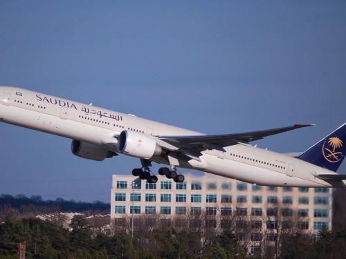 Saudi Arabia suspend ses vols vers le Canada