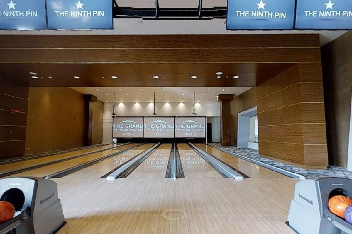 6-Bowling_Moon_Palace.JPG