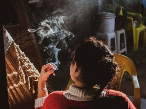 En rappel : vous pouvez fumer un joint au Canada... mais ne l'emmenez pas en voyage!