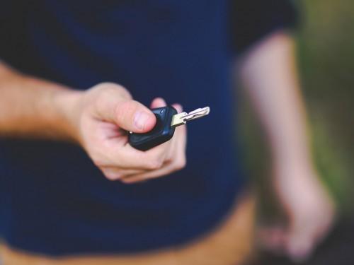 17% de commission sur les locations de voitures auprès de Voyages TravelBrands