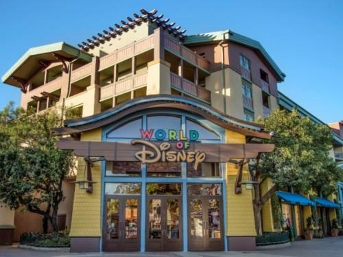 Disneyland augmente les prix des billets et des forfaits annuels de 8 %