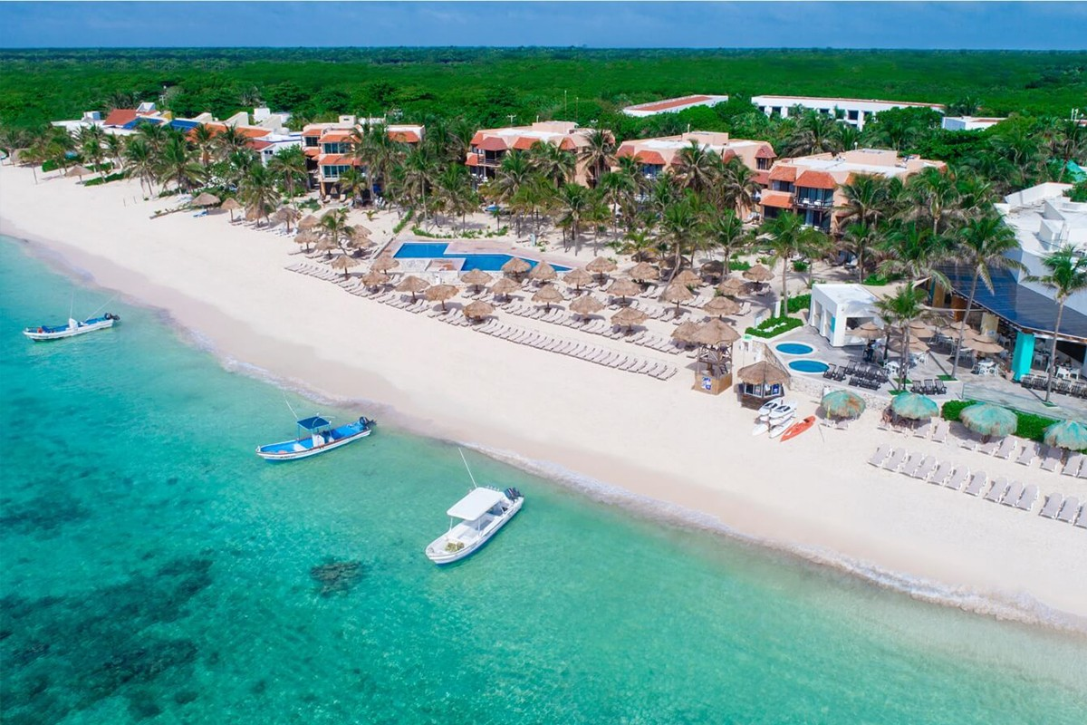 Deux complexes hôteliers Oasis acquis par AMResorts au Mexique ; 8 questions à Mireille Moutou