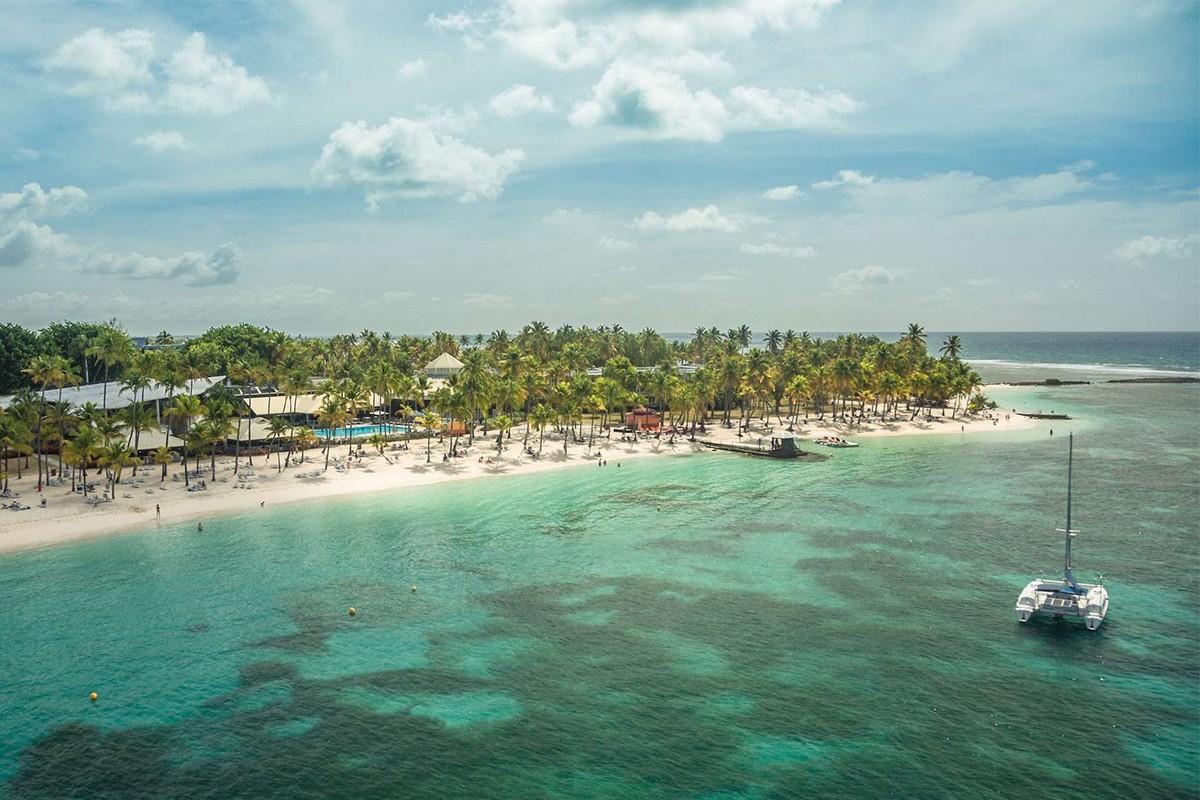 Photos : Club Med La Caravelle se refait une beauté ; Alexandre Bergeron s'explique sur son départ de NCL