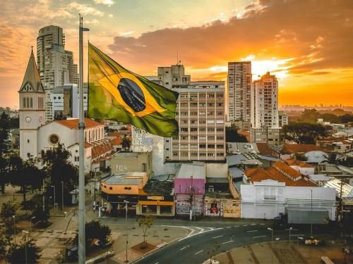 Le Brésil lève les exigences de visa pour les Canadiens