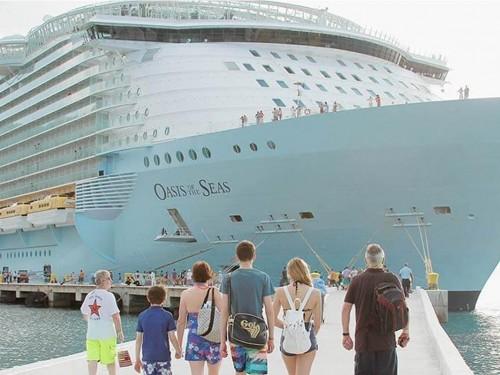 Un accident de grue oblige Royal Caribbean à annuler trois départs