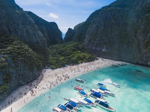 La célèbre plage de Maya Bay en Thaïlande est fermée jusqu'en 2021