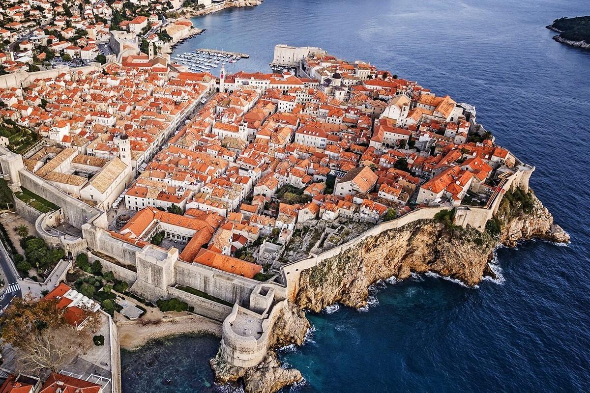 Dubrovnik dit non au sur-tourisme de croisière