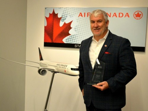 Duncan Bureau n'est plus président d'Air Canada Rouge