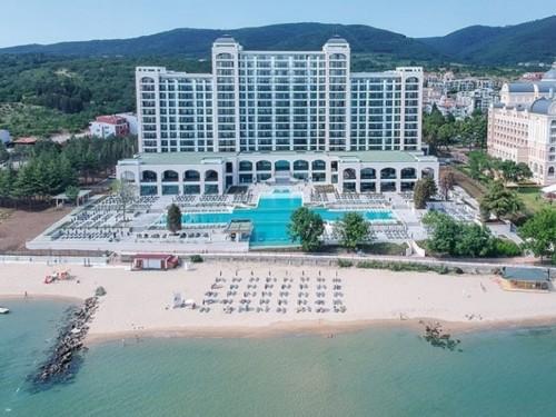RIU ouvre un nouvel hôtel cinq étoiles réservé aux adultes en Bulgarie