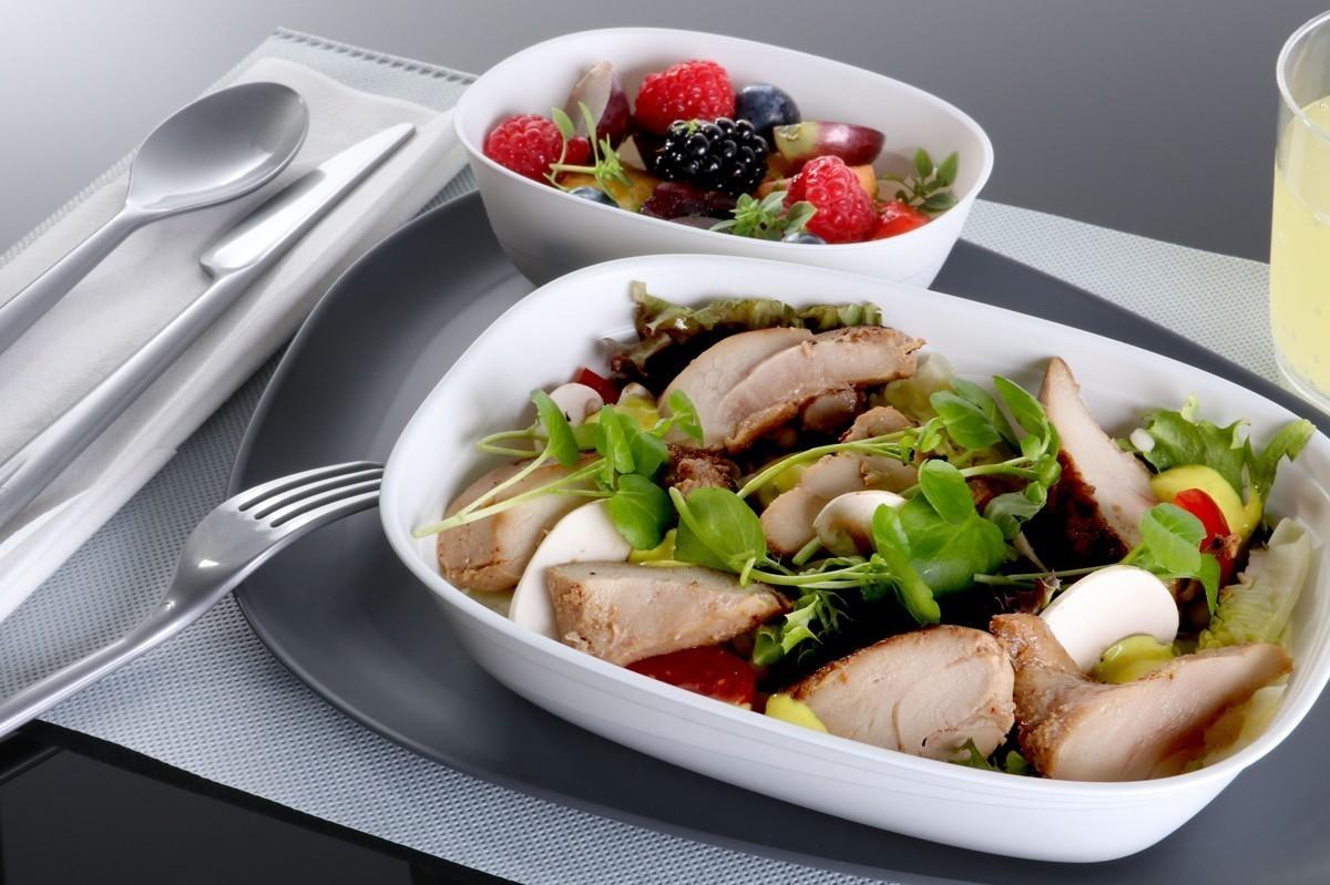 Delta : cocktails de bienvenue et améliorations des repas en classe économique